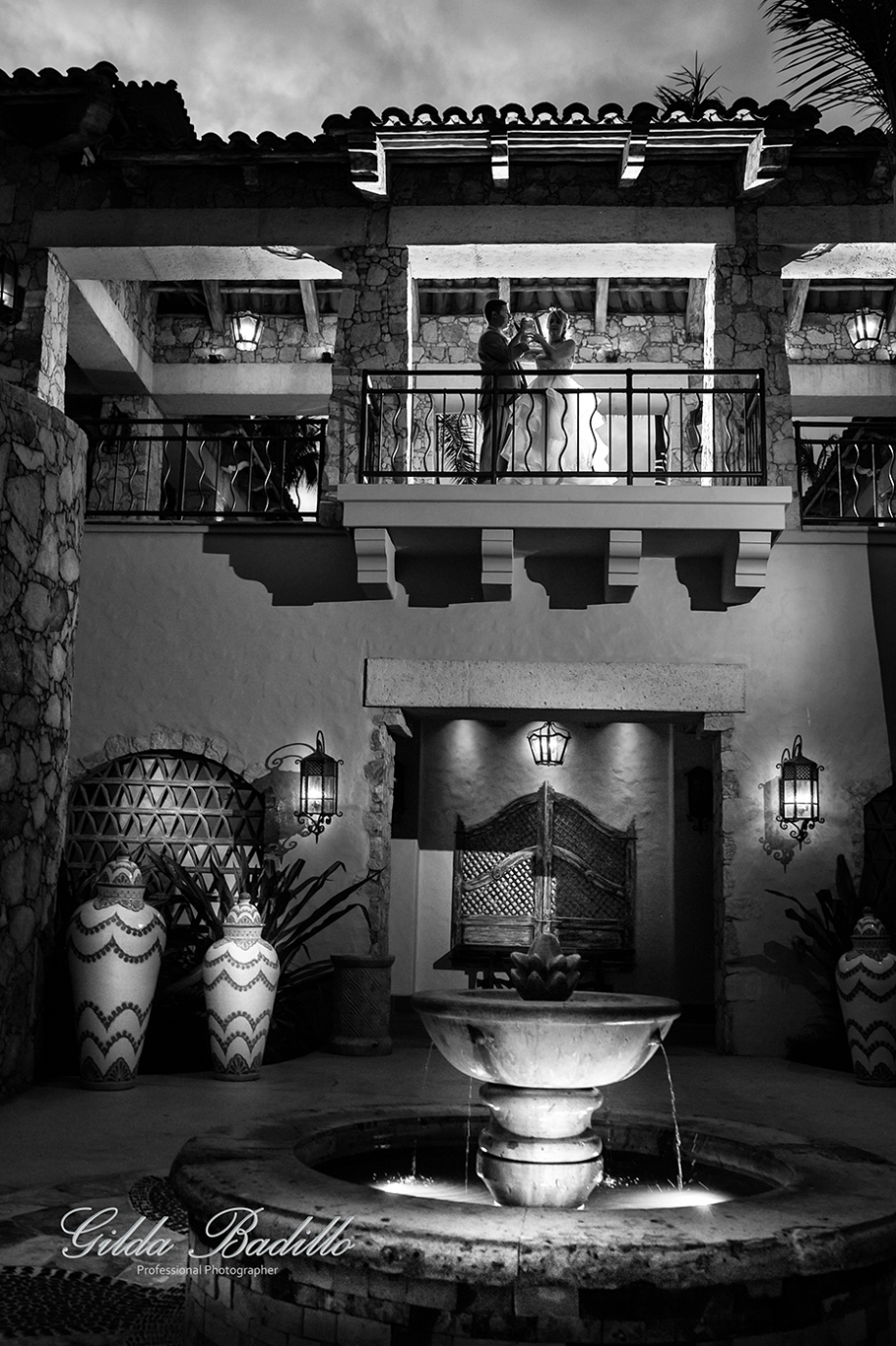 12_wedding_photographer_cabo_san_lucas_hacienda_cocina_cantina