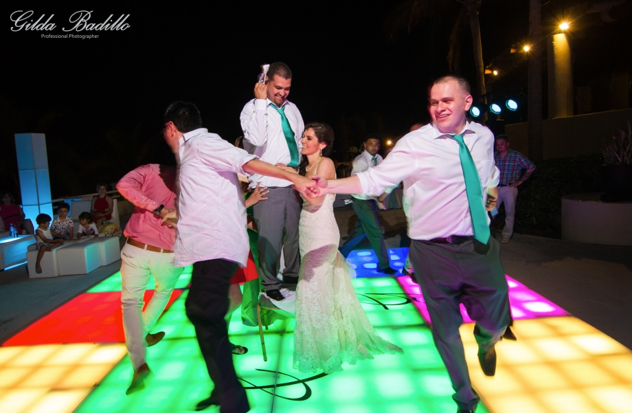 9_wedding_photographer_cabo_san_lucas_barcelo_gran_faro
